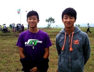 馬場大貴さん(右)、亮太さん(左)